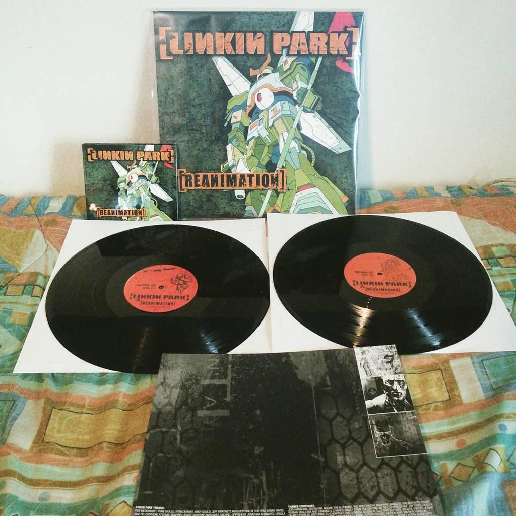 Linkin Park Reanimation ALbum Vinyl edition opened